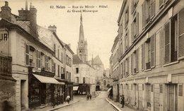 77 MELUN  Rue  Du Miroir.Hotel Du Grand Monarque,animée - Melun