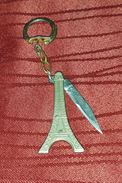 PARIS FRANCE, EIFFEL TOWER VINTAGE KEY CHAIN WITH KNIFE - Cities