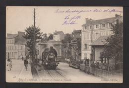 CPA : Dépt.14.  LISIEUX  .  L'entrée Du Tunnel De TROUVILLE . Train , Petite Animation . - Lisieux
