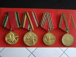 Lot De 4 Médailles URSS Et Russie Anniversaire De La Victoire - Russie