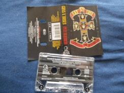 GUN'S N' ROSES K7 AUDIO VOIR PHOTO...ET LIRE IMPORTANT...  REGARDEZ LES AUTRES (PLUSIEURS) - Audio Tapes