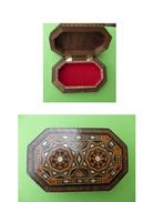 Jolie Boite En Marquetterie De Forme Octogonale - Boxes