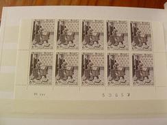 1977 BELGIQUE 1858 Bloc Neufe De 10 Timbre Datee - 20 % De La Faciale TTBE - Libretti 1962-....