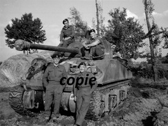 Photo WW2 British Soldier Sherman D-day Landing Normandy /20 - Reproductions