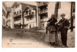 64 - CAMBO . LA PLACE ET UNE VIEILLE RUE - Réf. N°965 - - Cambo-les-Bains