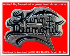 """SUPER PIN´S MUSIQUE : Le GROUPE De HEAVY METAL DANOIS """"KING DIAMOND"""" Formé En 1985, Email ARGENT Gravé, 2 Attaches 1992 - Musik"""