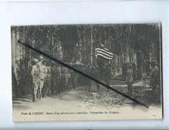 CPA - Front De L'Aisne - Revue D'un Détachement Américain - Présentation Du Drapeau  ( Militaire ) - France