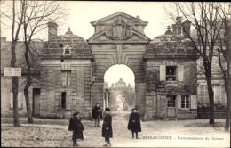 Cp Blérancourt Aisne, Porte Extérieure Du Château, Schloss - France