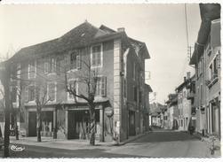 LES ECHELLES (Savoie) La Rue Principale Et L'Hôtel Du Centre - Les Echelles