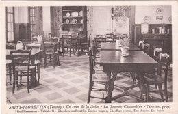 Carte Postale Ancienne De L'Yonne - Saint Florentin - Un Coin De La Salle  - La Grande Chaumière - Saint Florentin