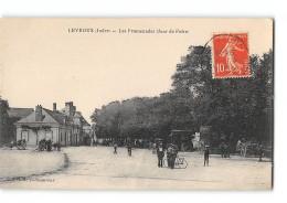 CPA 36 Levroux Les Promenades Jour De Foire - France