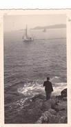 26189 Trois 3 Photo De 1936 Bretagne France -Perros Guirec - Regates Voiliers Plage - Lieux