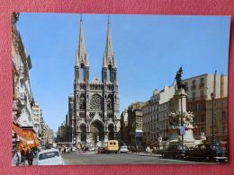 Dep 13 , Cpm MARSEILLE , 1182 , L'Eglise Des Réformés Et Le Square Verdun  (2.197) - Otros Monumentos