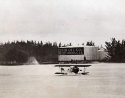 USA Floride Biscayne Bay Atterrissage D'urgence Biplan De Robert F. Edmondson Ancienne Photo 1941 - War, Military