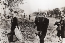 Russie Occupation Allemande Famille Quittant Leur Ville WWII WW2 Ancienne Photo 1941