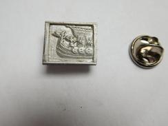 Beau Pin's En Relief , Bateau Drakkar - Bateaux
