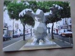 Xavier Veilhan, Le Monstre, 2004, Structure Metal, Polystyrene, Resine Epoxy - Place Du Grand Marche, Tours. - Tours