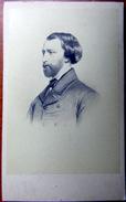 PORTRAITS  CELEBRITES ALFRED DE MUSSET D'APRES UN  TABLEAU PHOTO FORMAT CARTE DE VISITE VERS 1865 - Célébrités