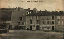 CPA  (42)       REGNY  -  Place Du Marché - France