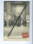 CPA - Société De Secours Aux Blessés Militaires (Croix Rouge , Voir Timbre Poste Et Cachet Au Verso)auto,voiture - Croix-Rouge