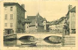 74 - ANNECY  -  LE PONT PERRIERE ET LES VIEILLES PRISONS - Annecy