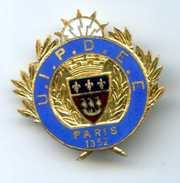 324 (04) - INSIGNE A IDENTIFIER RADIO ??? - U.I.P.D.C.C PARIS 1932 OU 1952 - - Insignes & Rubans