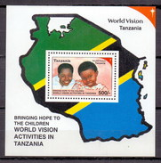 2000 Tanzania (Tanzanie) World Vision, Map, Children M/Sheet MNH (M-38)