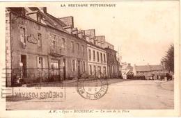 La Bretagne Pittoresque - 8701 - Bourbriac - Un Coin De La Place - Andere Gemeenten
