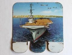 Plaque Métal Huilor Chat Le Clémenceau Porte Avions Table De Marine - Advertising (Porcelain) Signs