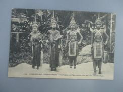CPA CAMBODGE PNOM PENH DANSEUSES FAVORITES DU ROI DU CAMBODGE - Cambodia