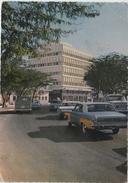 Bahrein , Bahrain. Shaikh Isa Road. Rue Shaikh Isa. Format 10x15. Voitures, Cars Années 60. Photo Bahrain Petroleum Comp - Bahreïn