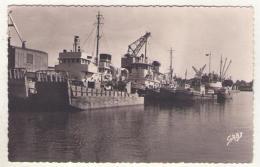 (17) 555, Rochefort Sur Mer, Artaud 3, Le Port, Bateau US Army LT-22 - Rochefort