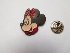 Beau Pin's , Disney , Minnie - Disney