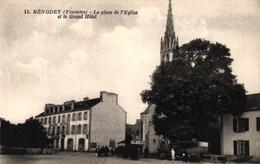 BENODET -29- LE PLACE DE L'EGLISE ET LE GRAND HOTEL - Bénodet