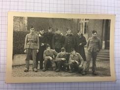 17M/1 - Photo Carte Groupe De Militaires Belges En Sabots 11 Régiment Ligne???  Lieges Namur ? - Guerre, Militaire