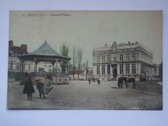 FRANCE - BERGUES - Grand Place - Bergues