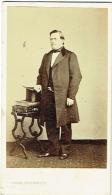 Photo CDV. Foto Mitkiewicz, Bruxelles. Homme De La Noblesse à Identifier - Oud (voor 1900)