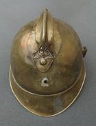 Casque De Pompier En Laiton Ancien De La Commune De Néris Dans Le Département De L'Allier - Casques & Coiffures