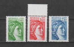 FRANCE / 1981 / Y&T N° 2154a + 2155b ** + 2156b ** : Sabine (3 TP) - Gomme (tropicale Mate) D´origine Intacte - France