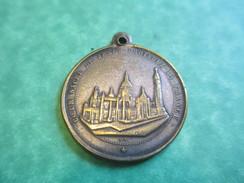 Médaille  Religieuse Commémorative /Voeu National De La France/Sacré Coeur De Jésus/Montmartre/Pie  IX/ 1875      CAN251 - Religion & Esotericism