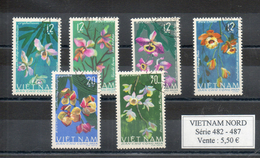 Vietnam Du Nord. Fleurs - Viêt-Nam
