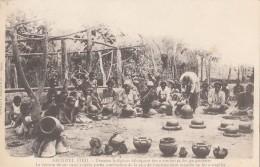 Océanie - Archipel Fidji - Précurseur -  Femmes Indigènes Poteries Cuisson Combustion Bambous - Editeur Bergeret - Fidji