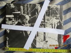 PHOTO  -Camp De BUCHENWALD (?) - Documents Historiques
