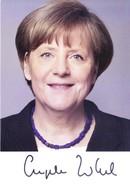 AUTOGRAPH ON POST CARD - ANGELA MERKEL - CHANCELLOR OF GERMANY - Transport