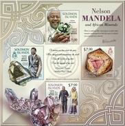 SOLOMON ISLANDS 2013 SHEET NELSON MANDELA NOBEL PRIZE MINERALS MINERAUX MINERALIEN MINERALES MINERALI Slm13305a - Solomon Islands (1978-...)