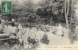 Caen (Calvados) - Le Jardin Des Plantes - Belle Animation Sur Le Pont Rustique - Carte LL N° 203 - Caen