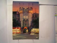 Manosque - La Porte Saunerie La Nuit - Manosque
