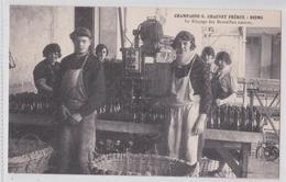 REIMS - Champagne Chauvet Frères - Le Rinçage Des Bouteilles Neuves - Vigne Et Vin - Beau Plan - Reims