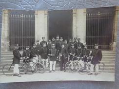 53 LAVAL CARTE PHOTO GROUPE DE GENDARMES POLICIERS CYCLISTES - Laval