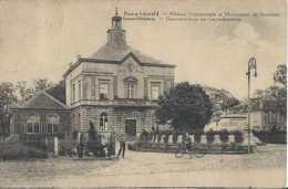 Leopoldsburg - Bourg-Leopold - Gemeentehuis En Gedenkteeken - Circulé - Animée - TBE - Leopoldsburg